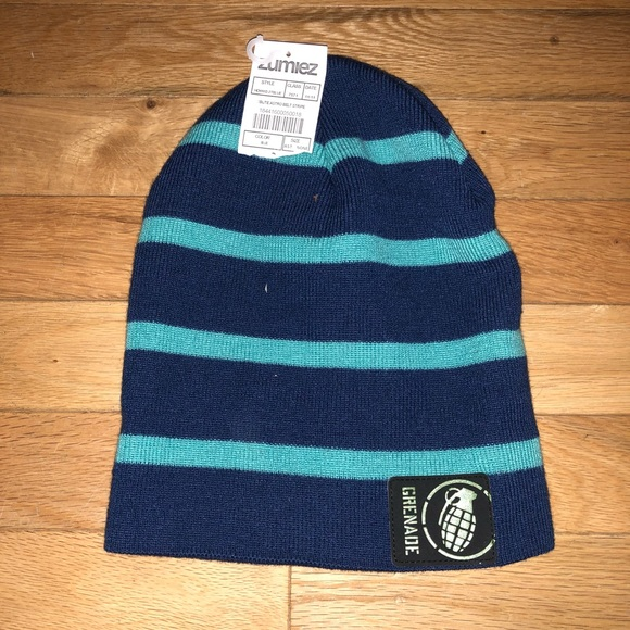 7393aa53464 NWT Men s Grenade striped beanie